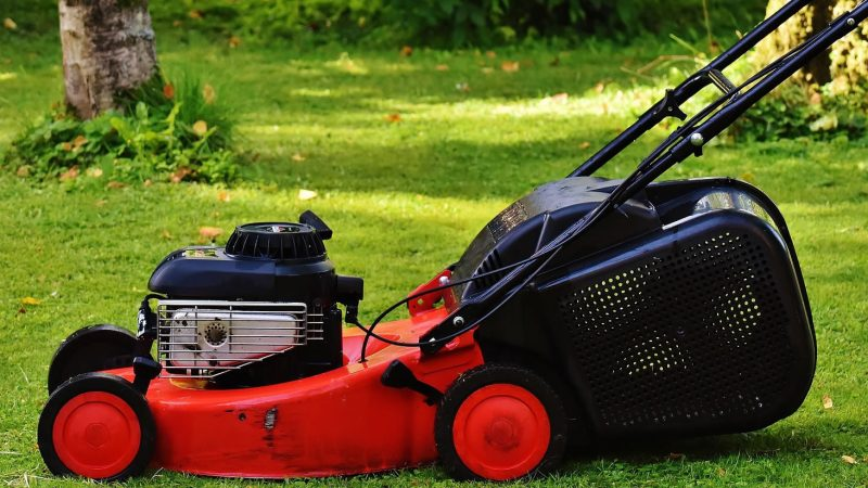How to Choose the Best Mower for Hills